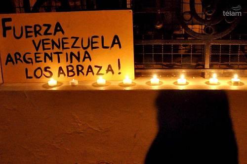 Fuerza-venezuela-arentina-abraza